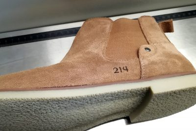 Schuhe mit Gravur