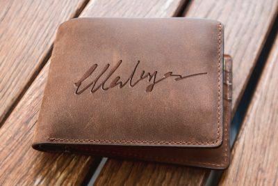 Personalisiertes Portemonnaie mit Gravur