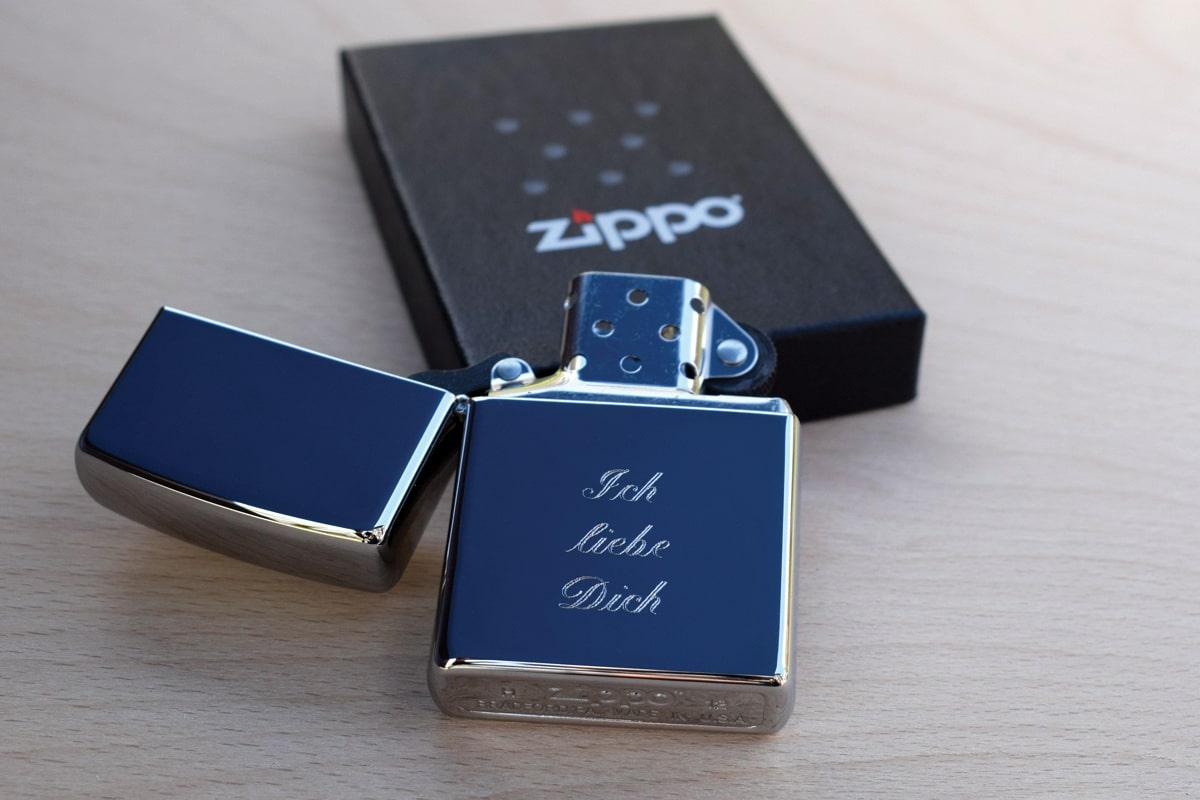 Zippo Feuerzeug mit individueller und persönlicher Gravur