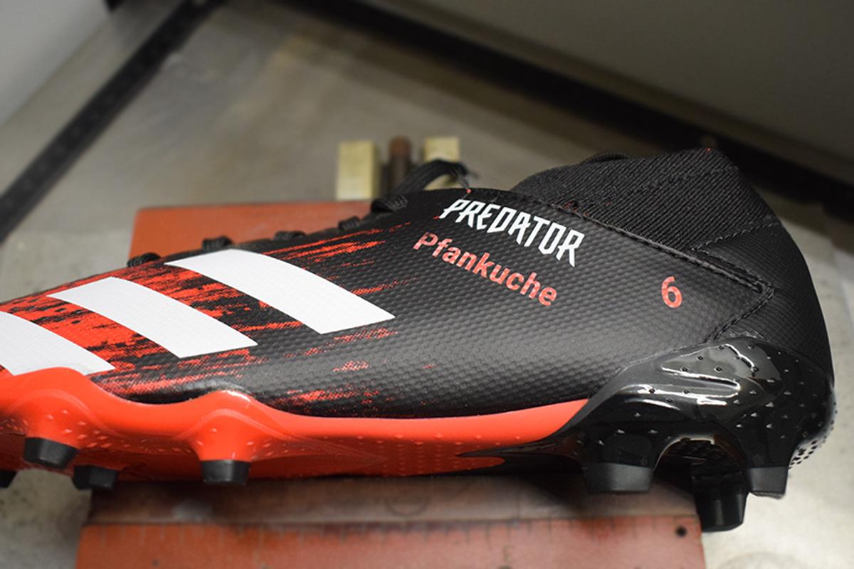 Personalisierte Fußballschuhe mit Lasergravur